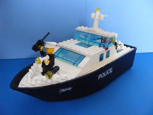 lego_police_boat